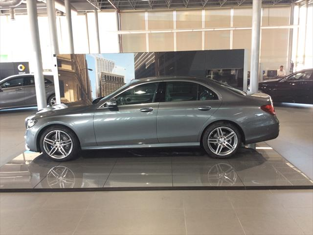 mercedes benz e 220 d sedan diesel gris selenita del 2017 con 00 km en zaragoza agreda. Black Bedroom Furniture Sets. Home Design Ideas